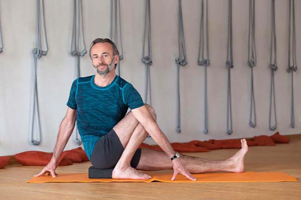 Strój do jogi dla mężczyzn