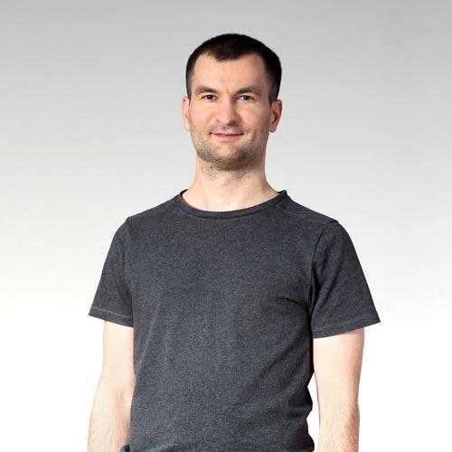 Marcin Kawa instruktor Joga Foksal i Joga Bracka