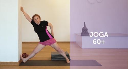 Joga dla seniorów, kobieta ćwicząca jogę